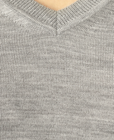 V字领毛衣